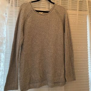 Cozy gray knitted sweater
